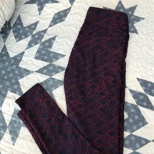 LuLaRue one Sz Leggings. Navy blue & Red